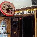 Φωτογραφία: The Alaskan Hotel & Bar