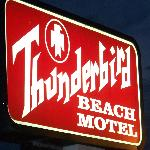 Photo de Thunderbird Beach Motel