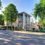 ‪BEST WESTERN PLUS Sutter House‬