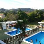  Zona piscina infantil y mesas para merienda