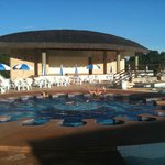  Piscina com massagem