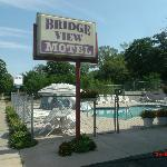 Foto van Bridge View Motel