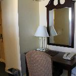  desk in suite