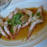 Steam garlic prawns served in Lai Po Heen