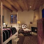 ‪Rosewood Inn of the Anasazi‬