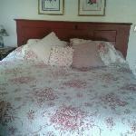  The Rose room bed
