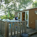 2 bedroomed mobile home with deck