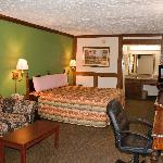 Victorian Inn & Suites