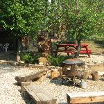  Fire-pit, grill, picnic area
