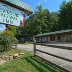 Townsend Gateway Inn - from Walk and Bike path
