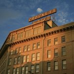 Crockett Hotel