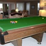  Full size pool and snooker table