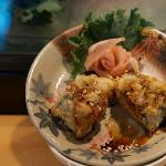  sample of crispy sushi with ginger rose
