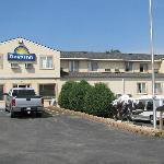 Days Inn Custer resmi