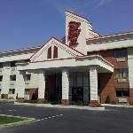 Red Roof Inn &amp; Suites Cleveland - Elyria