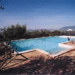 La piscina con vista su Assisi