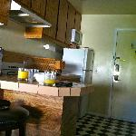  the entrance/kitchen