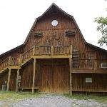 Hay Loft, a Spacious Property with a Game Room and Hot Tub