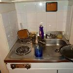 6: kitchenette