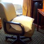  Could not adjust chair, used pillow.