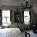 Фотография Royal Stewart Bed & Breakfast