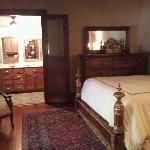 Laughlin House B&B resmi