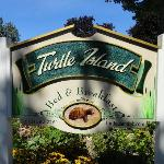  B&amp;B TURTLE ISLAND