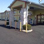 ‪Days Inn Cameron‬