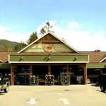 Lake Cowichan Country Grocer