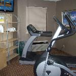  Fitness Room: small...but adequate