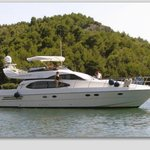 ‪Luxury-Yachts-Services Day Tours‬