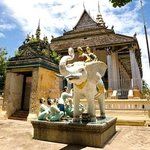 White Elephant Pagoda (Wat Tahm-rai-saw)