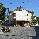 Photo de Rebetika Hotel