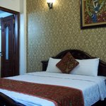Little Hanoi Diamond Hotel resmi