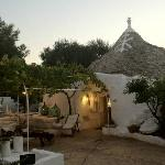 Trullo bordo piscina