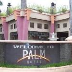  Palm Hotel