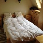  Tiny double bed - only 1,4m wide