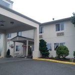 Holiday Plaza Sequim Inn & Suites