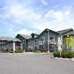 ‪BEST WESTERN Rose Quartz Inn‬