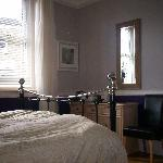 """BlackSheep"" Ground Floor Double - Ensuite (WheelChair Accessible & Pet Friendly)"