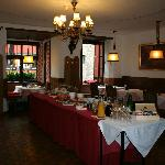 Breakfast room with plenty to eat