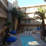 ‪Days Inn and Suites Rancho Cordova‬