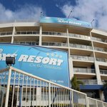 Rays Resort Apartments resmi