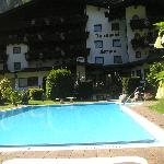 Pool & rear view of Fernau