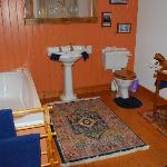  Old Tractor Shed - Large Bathoom