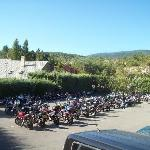 Un vaste parking ( 180 motos )