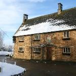 The G & D at Chacombe - after an unseasonable April snowfall