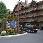 Old Creek Lodge resmi