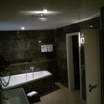 en suite bathroom - divi