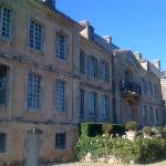The façade of the château